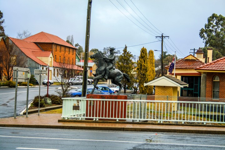 Thunderbolts Statue main street of Uralla