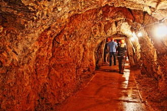 Exploring the historic Phosphate Mine, Wellington Caves