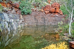 Amazing colours of cliff walls Dales Gorge