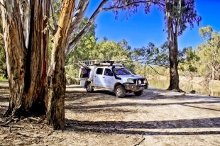 A bit of a rest on our homeward journey beside the mighty Murray River