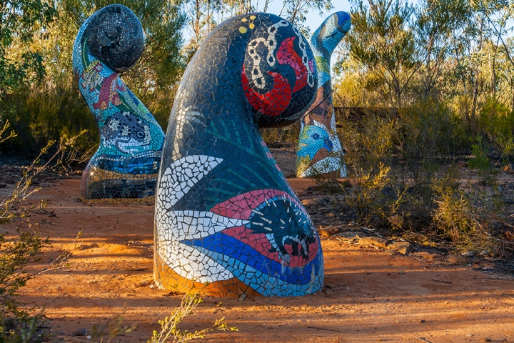 Sculptures in the scrub, Dandry Gorge, Timallallie National Park